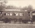 Az Alföldi Első Gazdasági Vasút (AEGV) benzin-villamos motorkocsija Gyopárosfürdő állomáson, valamikor a XX. század első felében.